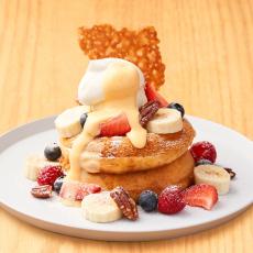 【5月限定】スペシャルフルーツのパンケーキ カスタードソース